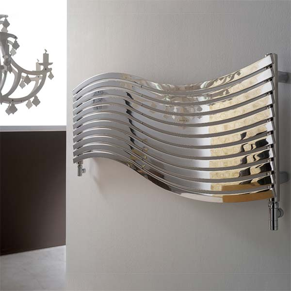 cordivari-termoarredo-design-calorifero-orizzontale-lola-arredo-bagno-450x1516-watt-484-acciaio-inox-finitura-lucida-ambiente