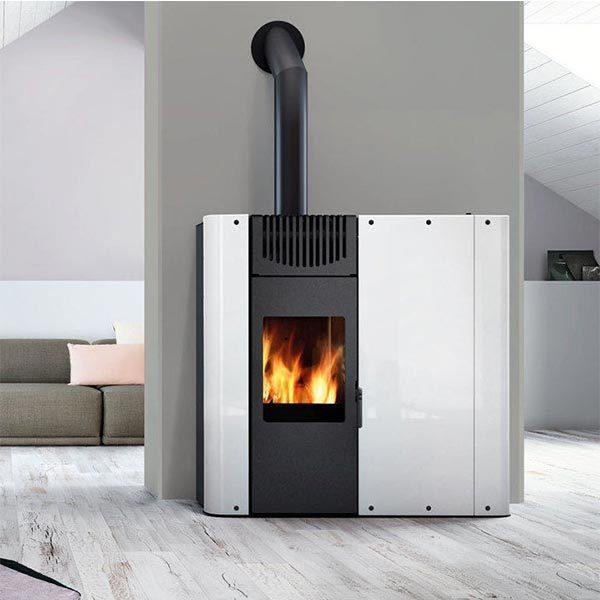 edilkamin-stufa-bicombustibile-legna-e-pellet-aria-kw-10-demy-acciaio-bianco-ambiente