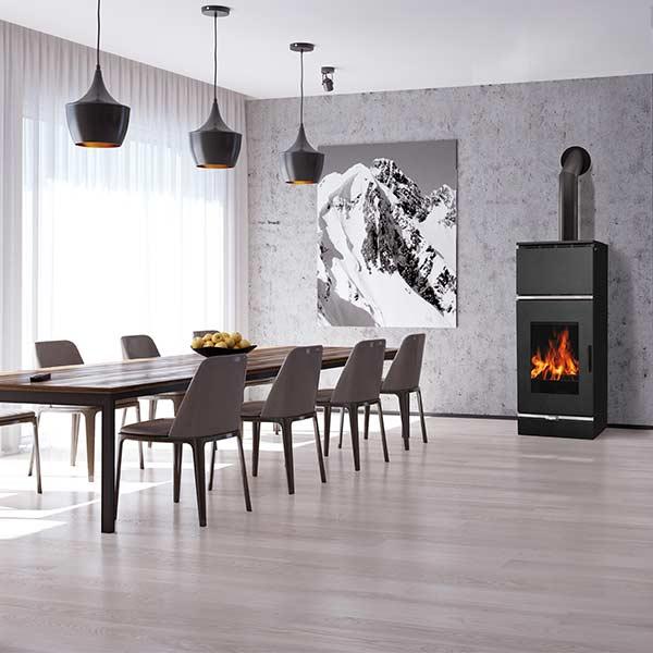 edilkamin-termostufa-a-legna-stufa-idro-cubira-12-cs-vaso-aperto-a+-acciaio-nero-ambiente