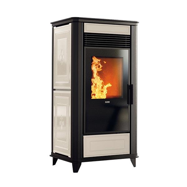 klover-stufa-pellet-kw-7,8-riscaldamento-ventilata-class-90-air-avorio-frontale-in-maiolica-e-vetro-ceramico-wi-fi-di-serie