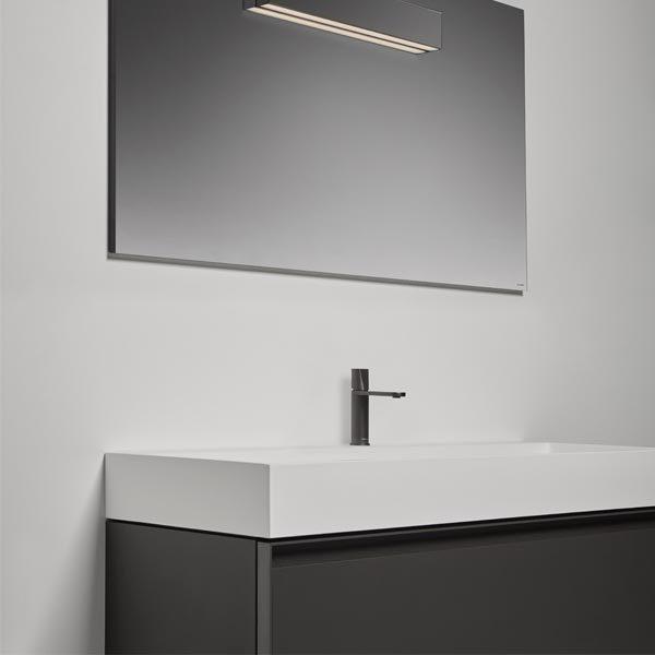 antonio-lupi-atelier-mobile-monoblocco-sospeso-126-cm-laccato-matita-con-cassetto-e-piano-lavabo-gesto-ceramilux-visione-laterale