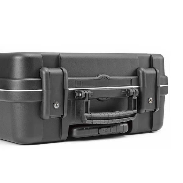 gt-line-boxer-wh-pel-valigia-trolley-porta-utensili-in-polipropilene-chiusa-dettaglio