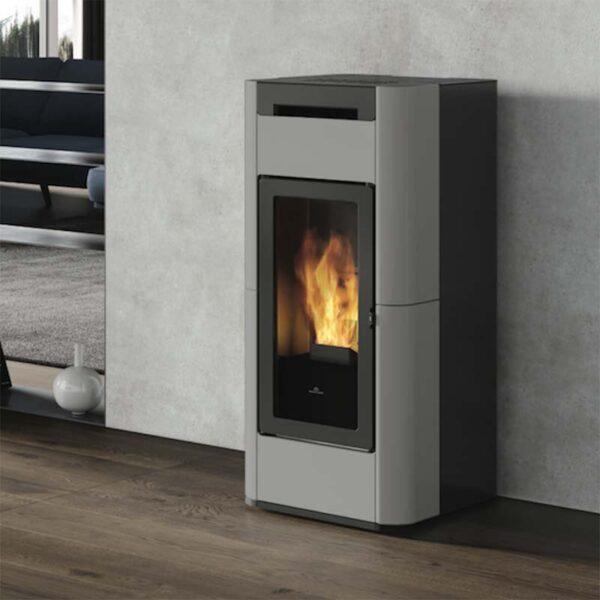 edilkamin-termostufa-a-pellet-tera-h-30-con-wifi-integrato-e-sistema-airkare-in-ceramica-grigio-chiaro-opaco